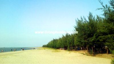 Wisata Pantai Karang Jahe di Kab. Rembang