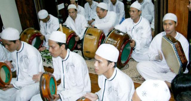 festival-hadroh-maulidiyyah-haul-syaikh-mimbar-asrori.jpg